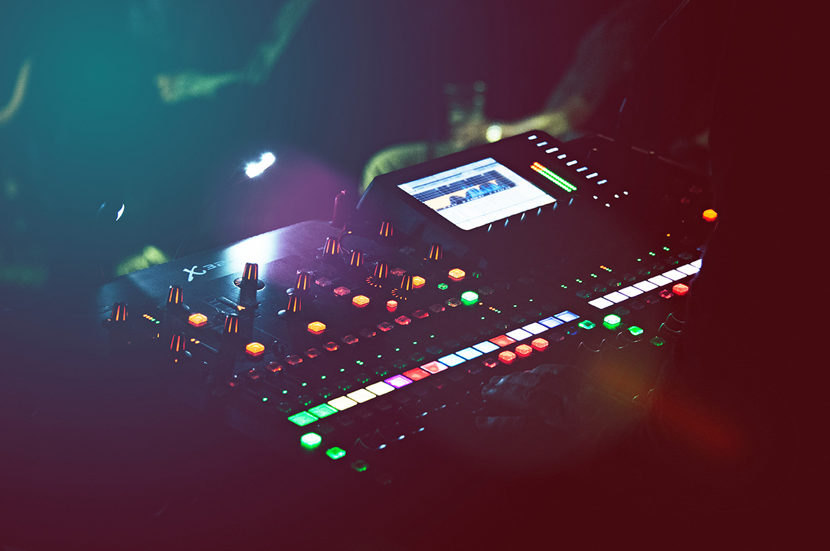 stage-mixer-001-by-PuneDesign
