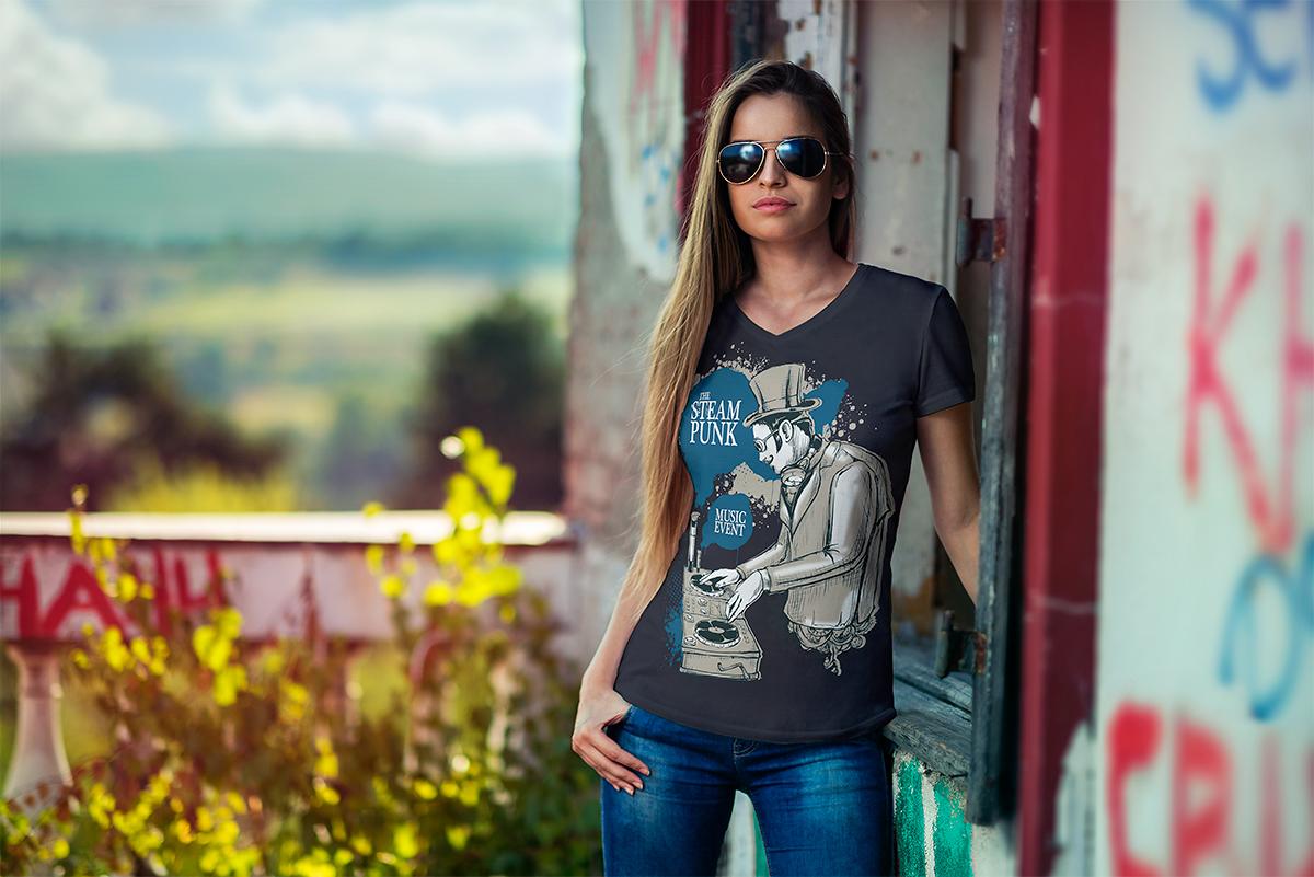v-neck_t-shirt_mockup-06